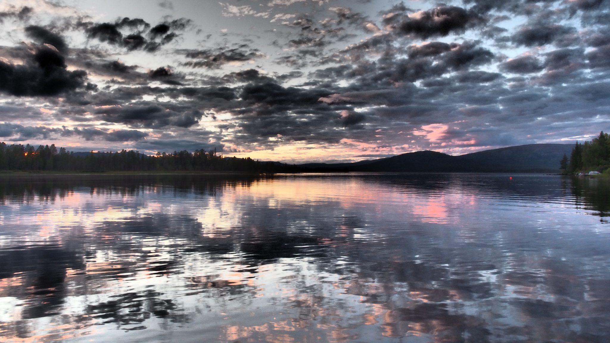 Foto vom Karatj-See am Abend