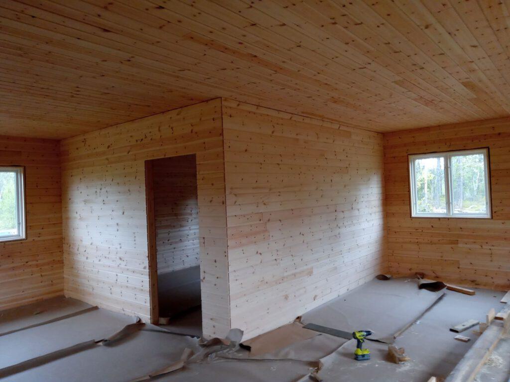 Endspurt Innenwände - fertige Wände im Schlafzimmer