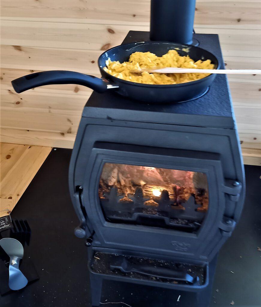 Auf dem Charon kann man kochen