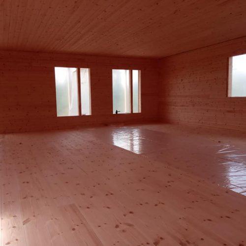 Innenausbau auf der Baustelle in Lappland